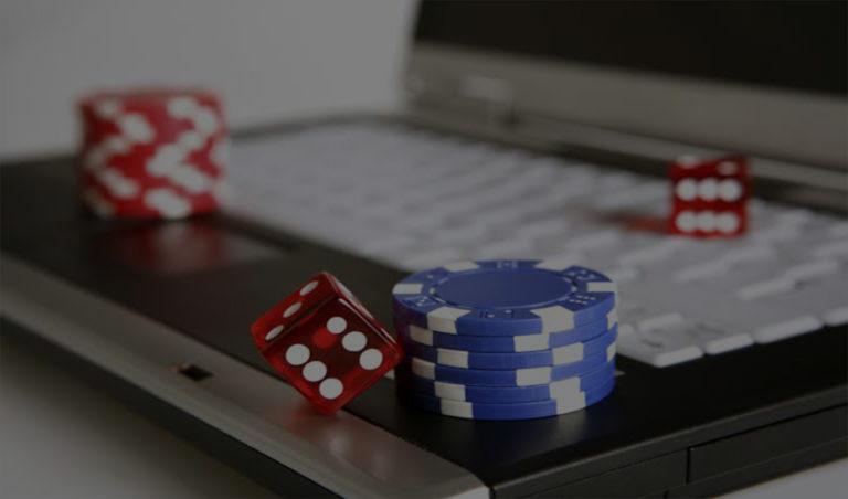 Panduan Main di Situs Judi Online Terpercaya, Game Domino